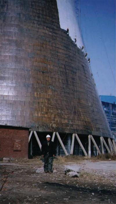 粉刷冷却塔,双曲线冷却塔外壁粉刷